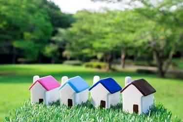 老後の住み替えはマンションと戸建てどっちがいい?選ぶポイントを解説