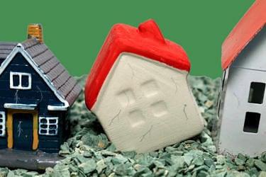 アパートの解体費用相場と内訳|利用できる補助金はある?