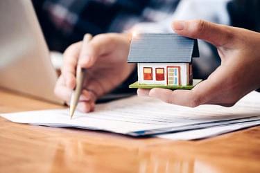 隣の土地を買いたいときはどうする?手順やポイントを解説